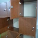 įleistos rusvos biuro komodos durelės su užraktais