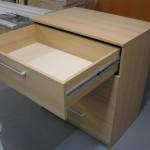 šviesios rudos ketvertos stalčių komodos prieškambariui stalčius atviras
