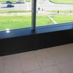 2 iš 3 juodos spalvos prieškambario komodos durelės