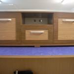3 stalčių jaunuolio komoda televizoriui