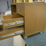 3 stalčių su lentyna svetainės komoda su kokybiškais bėgeliais