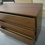 3 stalčių svetainės  komoda su kokybiškais stalčiais
