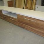 4 stalčių itin ilga svetainės komoda