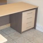 4 stalčių komoda po biuro stalu