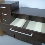 4 stalčių prieškambario komodos viršutinis stalčius su perskyrimu