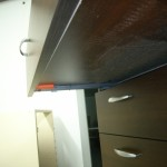 4 stalčių svetainės komoda su vokiškais blum bėgeliais