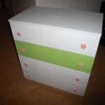 4 stalčių vaikų komodos rankenėlės gėlės