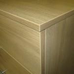 5 stalčių šviesiai rudos prieškambario komodos kampas