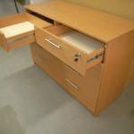 8 stalčių svetainės komoda su dviem rakinamais stalčiais