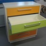 atidaras žalias stalčius 5 stalčių trispalvės jaunuolio komodos