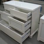 balta blizgi 6 stalčių svetainės komoda