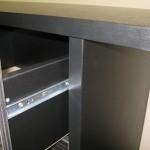 devynetos stalčių svetainės komodos korpusas ir stalčius iš arčiau