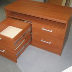 keturių stalčių svetainės komoda su pilno ištraukimo guoliniais bėgeliais