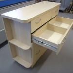 keturių stalčių svetainės komodos stalčius su perskyrimu
