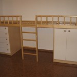penketos stalčių komoda vaikų kambariui kairėje