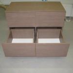 rudos 4 stalčių  miegamojo komodos praviri stalčiai be rankenėlių