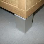sidabro spalvos keturkampė svetainės komodos kojelė ir storintas korpusas