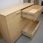 smėlinės biuro komodos su durelėmis praviri du stalčiai