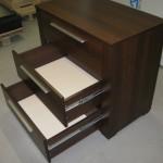 trejetos stalčių biuro komoda plačiais šonais