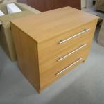 trijų stalčių biuro komoda