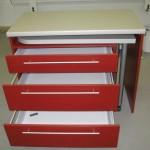 trijų stalčių virtuvės baldų raudona komoda