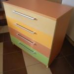 4 spalvų akcijinė 4 stalčių komoda