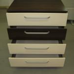 4 stalčių akcijinė miegamojo komoda su pravertais 4 stalčiais
