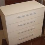 balta 4 stalčių akcijinė biuro komoda