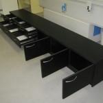 juoda 6 stalčių  komoda televizoriui su 3 durelėmis