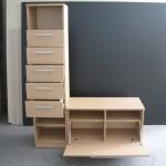 penkių stalčių komoda ir batų dėžė su atverčiamomis durimis
