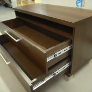 biuro komodos dviem stalčiais