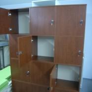 biuro komodos keturiomis durelėmis